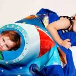 Grafikowo -magiczny świat marzeń dziecka utrwalony na niezwykłych gadżetach