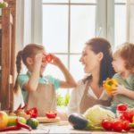 Kuchnia przyjazna dzieciom - jak zaangażować najmłodszych podczas gotowania?
