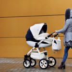 Mama wie lepiej: niebezpieczne potrząsanie dzieckiem – nie wolno tego robić!