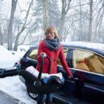 Dziecko w samochodzie - uwaga na skutki przegrzania!
