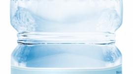 Boli brzuszek, boli główka - czyli czym skutkuje niedobór wody w diecie dziecka LIFESTYLE, Dziecko - Woda reguluje wiele procesów zachodzących w organizmie dziecka. Z tego względu właściwe nawadnianie jest jednym z czynników decydujących o jego prawidłowym funkcjonowaniu i rozwoju.