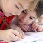 Jak zapewnić dobrą edukację dziecku z autyzmem?