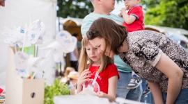 Zdrowe lato z Plusssz Junior LIFESTYLE, Dziecko - Plusssz Junior, marka najpopularniejszych suplementów diety dla dzieci, stawia na holistyczny rozwój dzieci oraz ich aktywizację i edukację prozdrowotną. Z okazji Dnia Dziecka odbyła się pierwsza odsłona eventów łączących edukację i zabawę.
