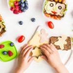 Kreatywne drugie śniadanie. Poznaj 5 sposobów na ciekawe przekąski dla dziecka
