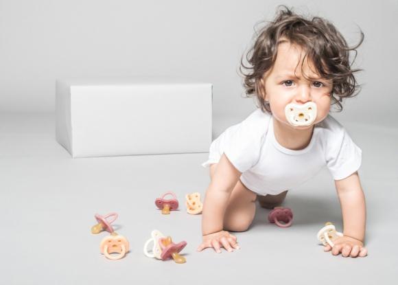 Na rynek wchodzą pierwsze na świecie kolorowe smoczki bez ani śladu plastiku LIFESTYLE, Dziecko - Dziś wszyscy mamy coraz wyższą świadomość ekologiczną.