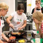 """""""Pomaganie przez gotowanie"""", czyli nauka samodzielności"""