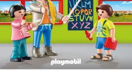 """Baw się i ucz z Playmobil LIFESTYLE, Dziecko - Wybuchy piany, eksperymenty z ciekłym azotem, ścianka wspinaczkowa i świat pod mikroskopem. Tak już 12 października będą bawić się najmłodsi podczas """"Niezwykłej Szkoły Playmobil"""" w Magnolia Park. Nie przegapcie!"""
