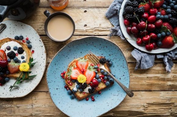Superfoods w diecie dziecka - jak uzupełnić menu o cenne dla zdrowia składniki LIFESTYLE, Dziecko - Coraz częściej w kontekście odżywiania słyszymy o tzw. superfoods. Są to produkty o wyjątkowo dobroczynnym wpływie na organizm, dlatego warto zadbać o ich obecność w diecie dziecka, a najlepiej wprowadzić do menu całej rodziny.