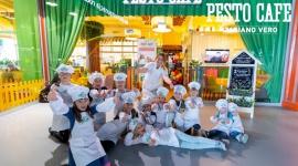 PESTO CAFÉ – nowa, prawdziwie włoska rodzinna restauracja LIFESTYLE, Dziecko - Kiedy dzieci są szczęśliwe, ich rodzice też są szczęśliwi - taka jest główna zasada PESTO CAFE. Nowa rodzinna restauracja na warszawskich Młocinach to miejsce stworzone w myślą o wspólnych wyjściach i pysznym jedzeniu.
