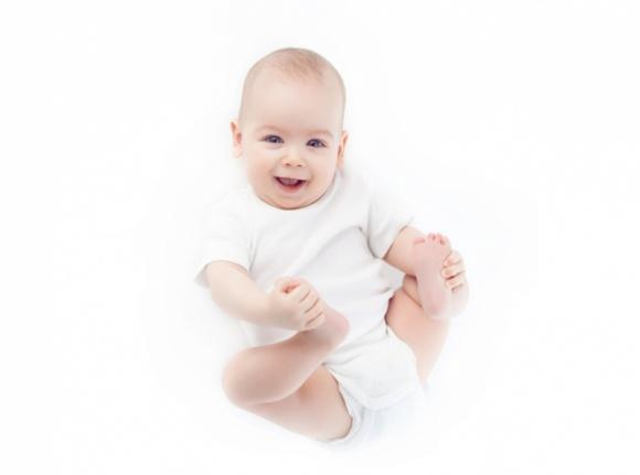 Czy wiesz, jak zadbać o dobre samopoczucie małego dziecka? LIFESTYLE, Dziecko - Dobrze odżywiony brzuszek wpływa z kolei na nastrój dziecka. Dowiedz się, co możesz zrobić, aby maluch miał dobre samopoczucie i harmonijnie się rozwijał.