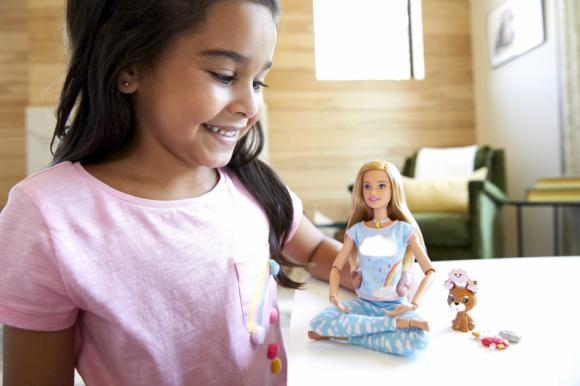 Barbie stawia na świadomość! LIFESTYLE, Dziecko - Obrazy, dźwięki, szum informacyjny – to wszystko z czym dzieci stykają się na co dzień w dawkach przekraczających ich możliwości poznawcze.
