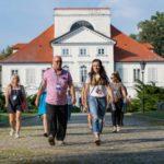 Dlaczego warto spędzić rodzinne wakacje z angielskim w Polsce?