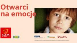 """Otwarci na emocje. Wsparcie dzieci z Wrocławia w kryzysie psychicznym LIFESTYLE, Dziecko - Aleja Bielany razem ze Stowarzyszeniem Pomocy ISKIERKA oraz Fundacją PozyTYwka organizują warsztaty pod nazwą """"OTWARCI NA EMOCJE"""" dla dzieci z rodzin uboższych bądź przemocowych. Warsztaty wspierają kompetencje społeczne oraz pomagają radzić sobie z trudnymi emocjami."""